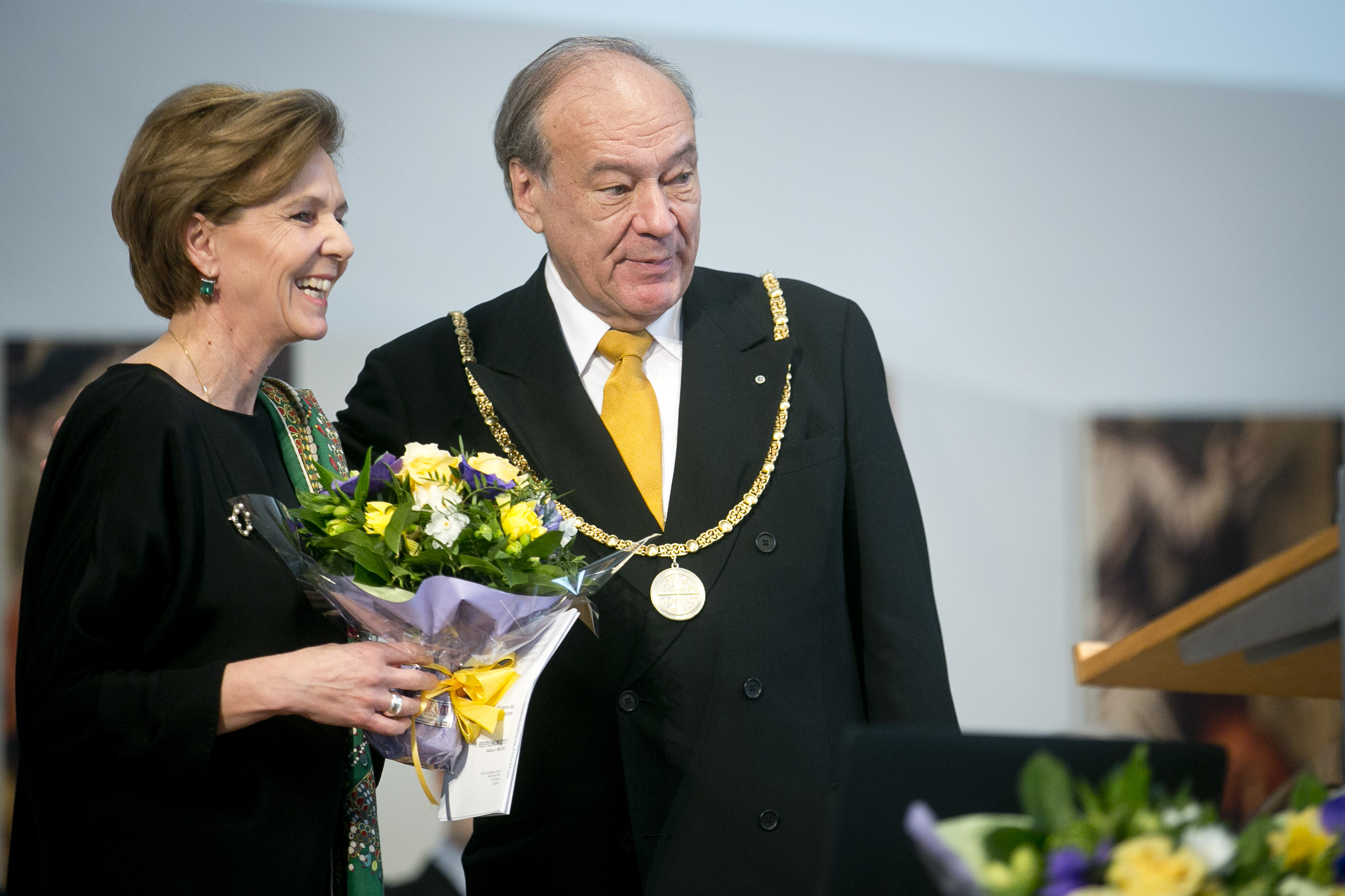 Click to enlarge image Dr Brigitta Pallauf and President EASA Prof Felix Unger.jpg